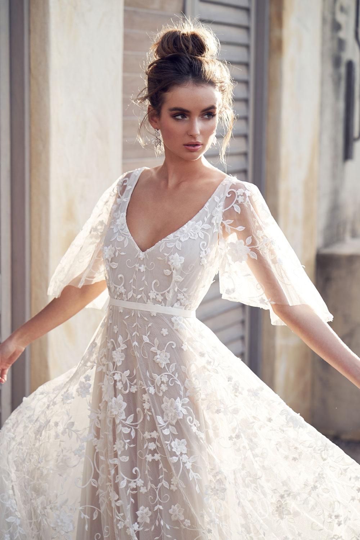 90795b7e69 perfect-day-bridal-bride-boutique-wedding-dresses-bath-bristol-south-west- anna-campbell-Amelie-Dress-(Draped-Sleeve)-4
