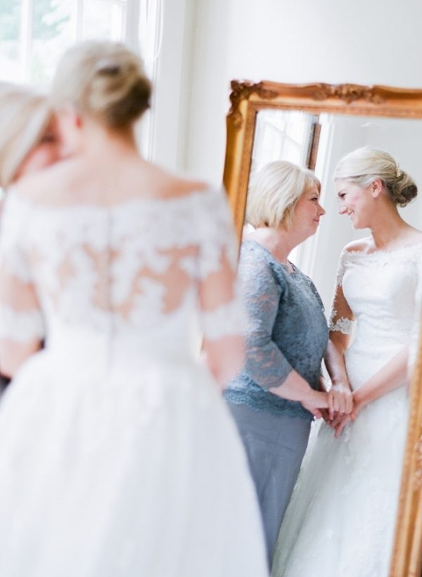 5 Wonderful Ways to Involve the Mother of the Bride stylemepretty.com - juliepaisley.com