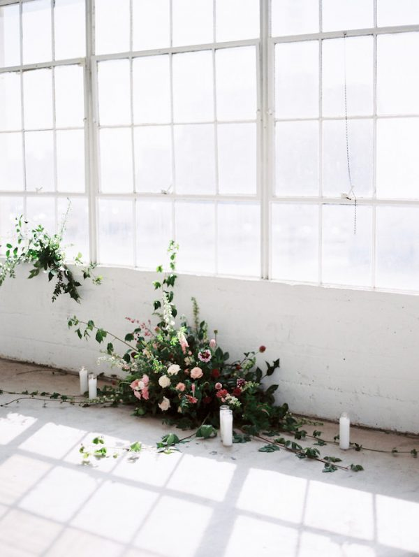 How To Pull Off A Modern Minimalist Wedding Theme oncewed.com - whiskersandwillow.com