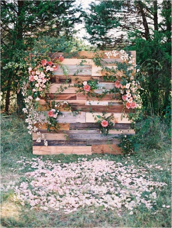 12 Of The Most Incredible Wedding Ceremony Backdrops hillcitybride.com - adambarnes.com