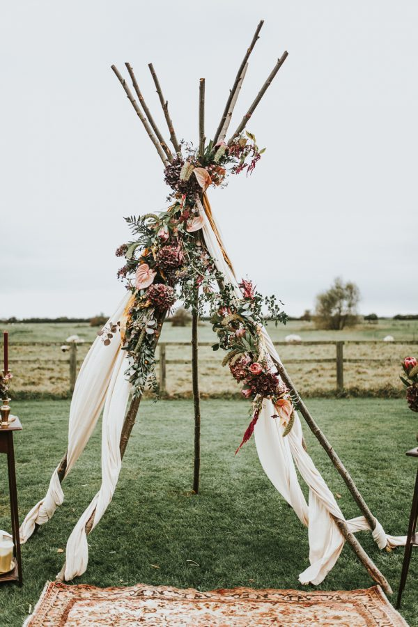 12 Of The Most Incredible Wedding Ceremony Backdrops rockmywedding.co.uk - darinastodaphotography.co.uk