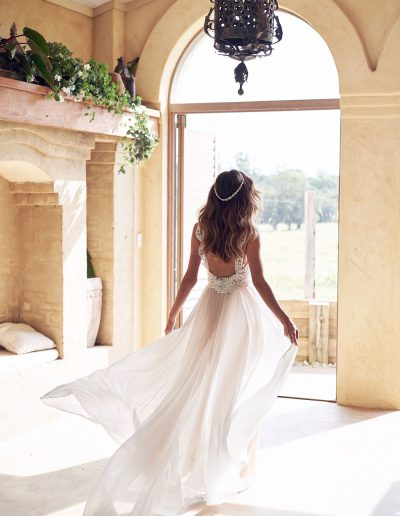 perfect-day-bride-bridal-wedding-dress-boutique-bath-south-west-boho-Jamie-Dress_Anna_Campbell_Perfect_Day_Bride5