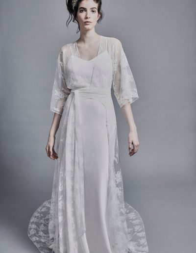 perfect-day-bride-bridal-wedding-dress-boutique-bath-south-west-modern-2020-Charlie-Brear-Wedding-Dress-Inya-3000.45-Goya+Voulaire-Jckt.33-Noor+Voulaire-Tra.01-(2)