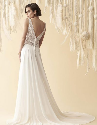 perfect-day-bride-bridal-wedding-dress-boutique-bath-south-west-romantic-Marylise-2020-Every-day-sunshine-6-lr